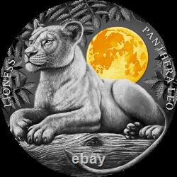 Niue 2021 Wildlife in the Moonlight Lioness $5 silver coin 2 oz